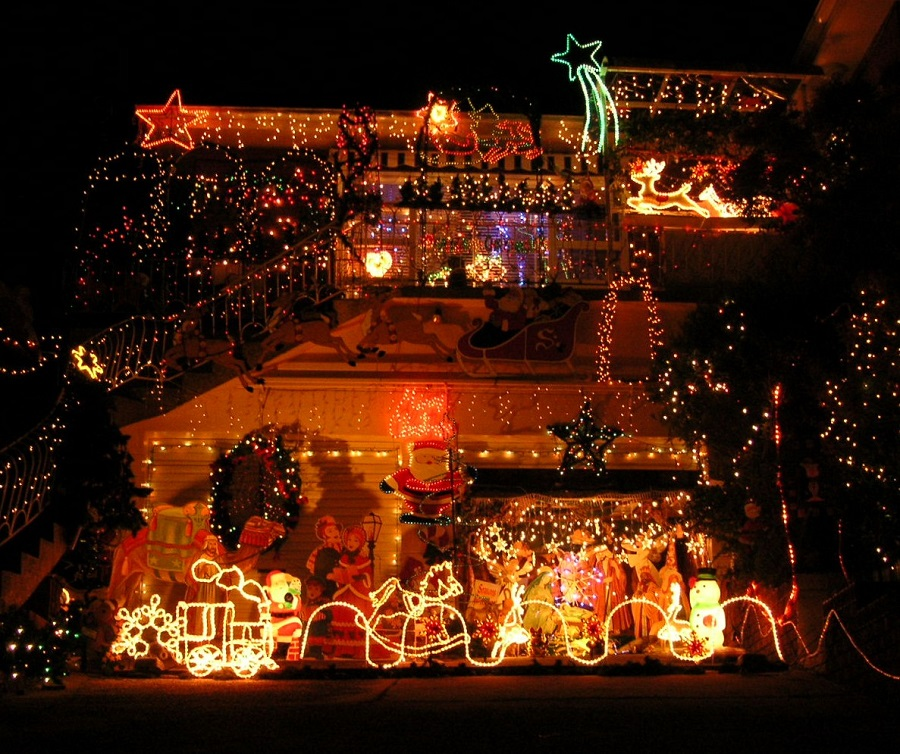 Suburban_Christmaslights_2